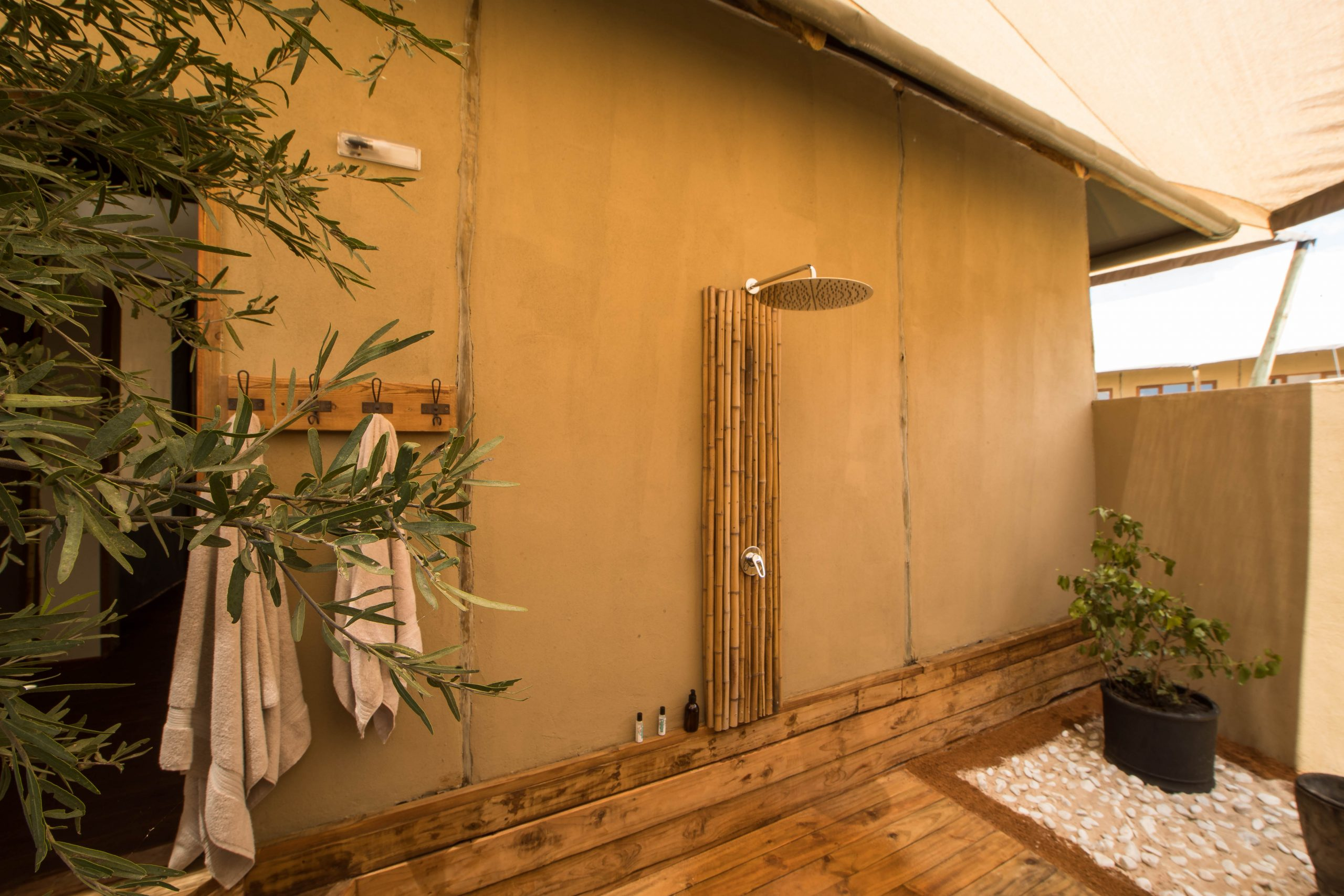Private rain showers reconnect with nature